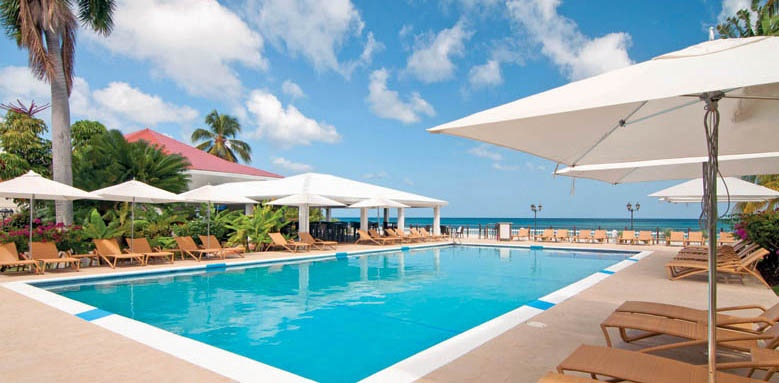 Radisson Grenada Beach Club, sunset pool