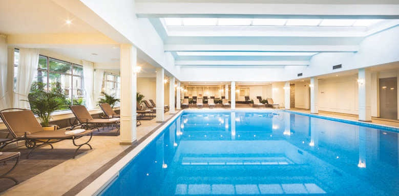 Remisens Grand Hotel Palace, indoor pool