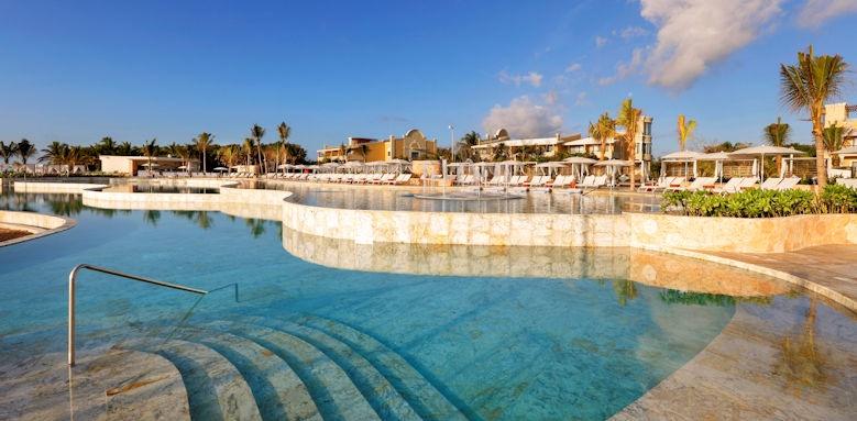 TRS Yucatan, beach club pool