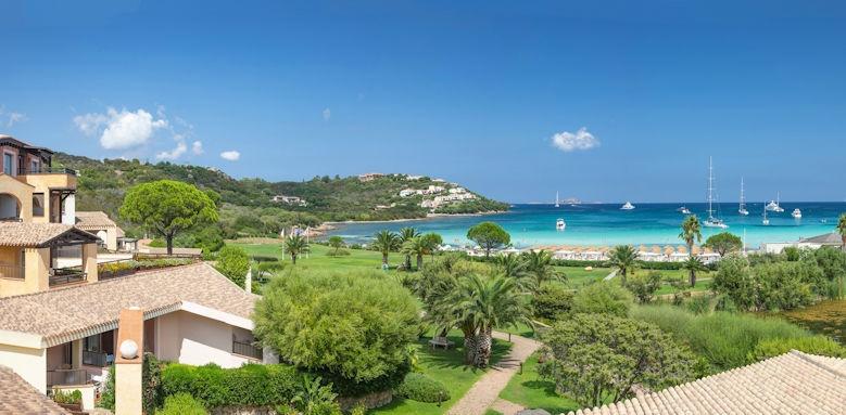 Abi D'oro, exterior and beach