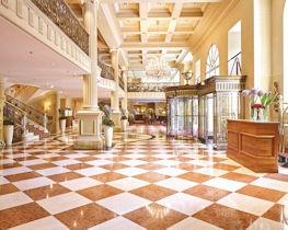 Grand Hotel Wien, lobby area