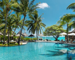 Constance Belle Mare Plage, pool and beds