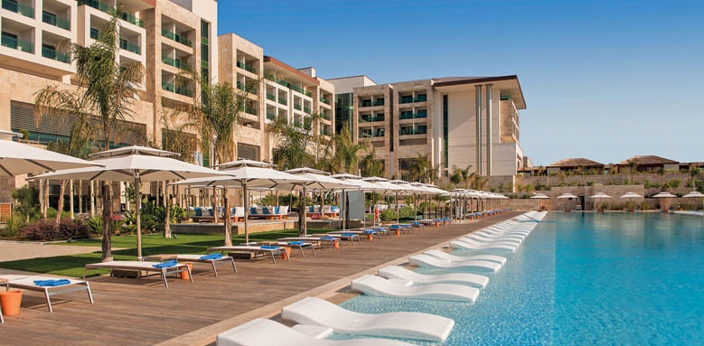 Regnum Carya Golf & Spa Resort, family pool