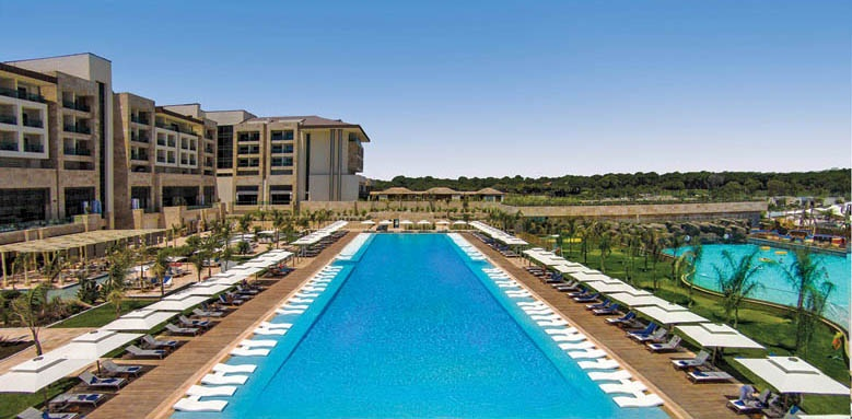Regnum Carya Golf & Spa Resort, family pool and hotel