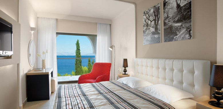 Marbella Beach Hotel, deluxe room in cluster building sea view