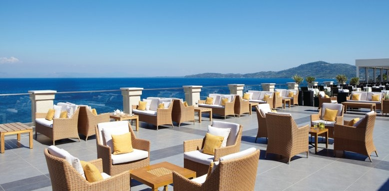 Marbella Beach Hotel, restaurant terrace