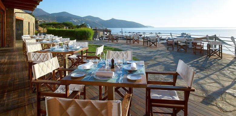 St Nicolas Bay, Restaurant