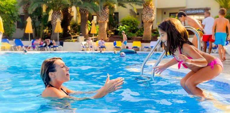 Suite Hotel Atlantis Fuerteventura Resort, Mother and Daughter