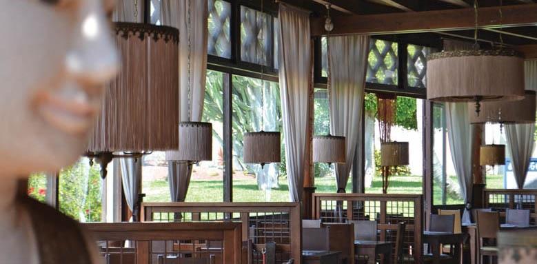 Suite Hotel Atlantis Resort, Rambutan Restaurant