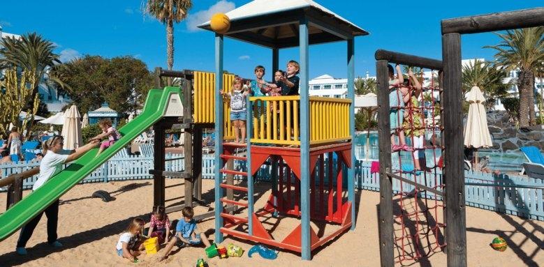 Seaside Los Jameos Playa, mini club