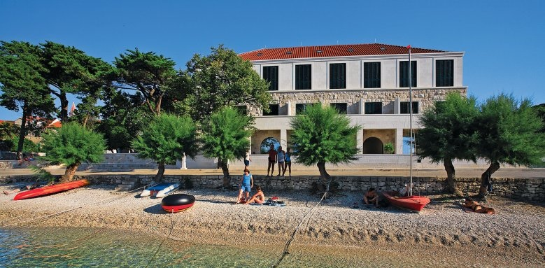 Hotel Lipa, exterior & beach