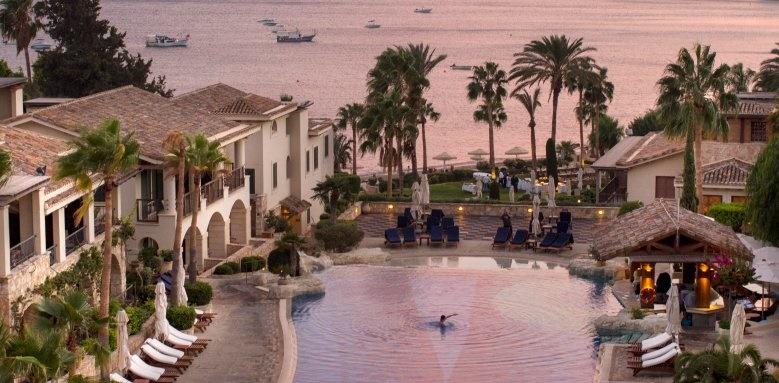 Columbia Beach Resort, twilight