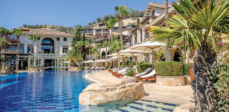 Columbia Beach Resort, west pool