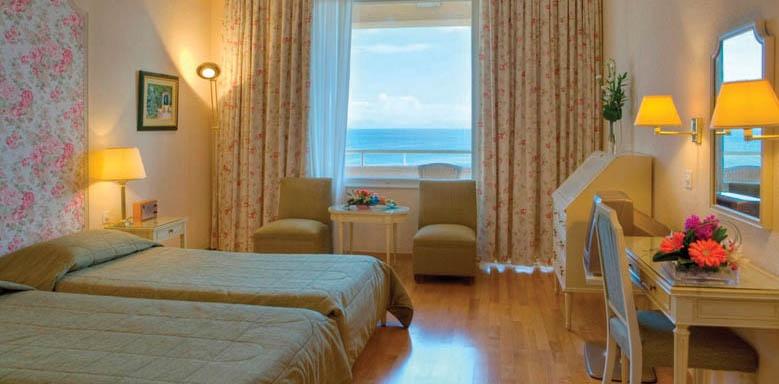 Corfu Palace, twin room