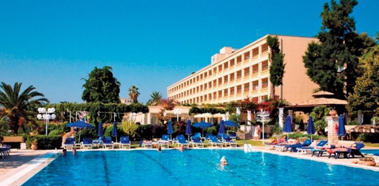 Corfu Palace, pool