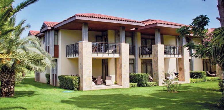 Gloria Golf Resort, villa exterior