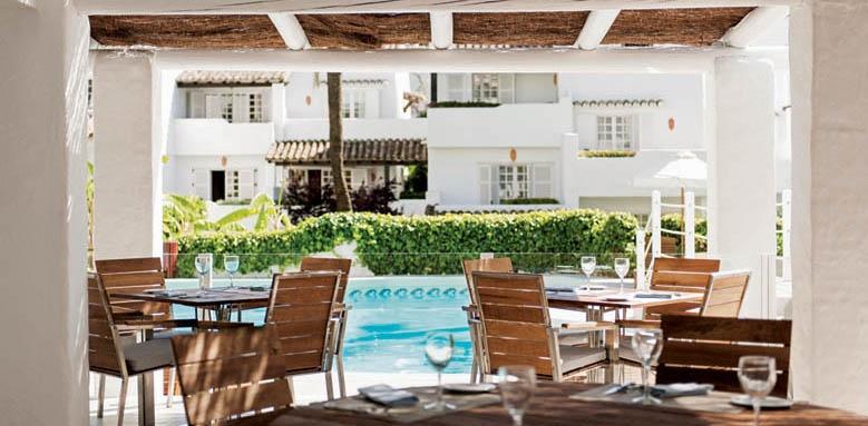 Hotel Puente Romano, pool bar