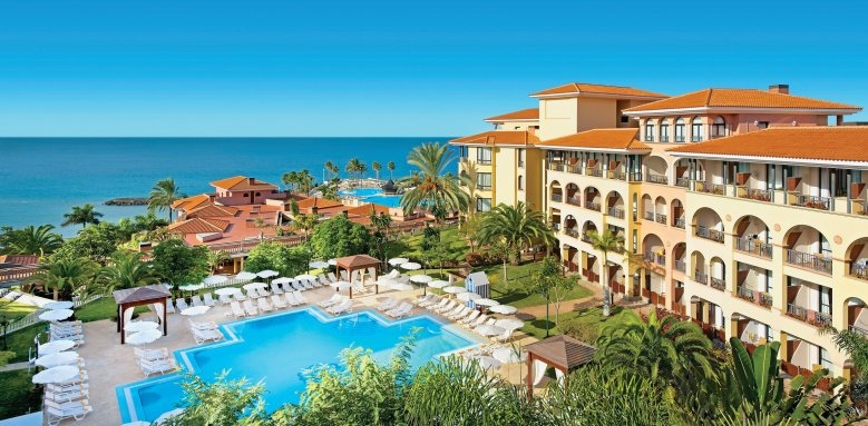 Iberostar Hotel Anthelia, hotel & pool overview