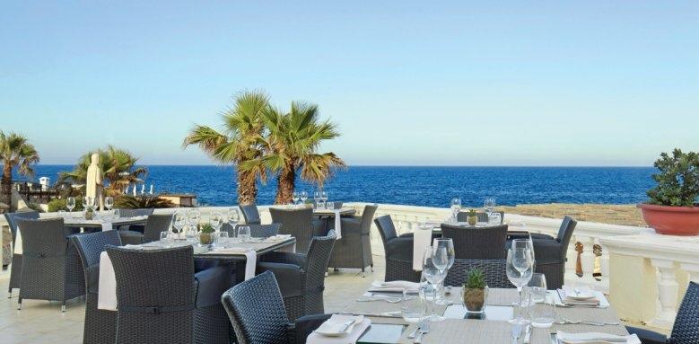The Westin Dragonara Resort, Quadro terrace
