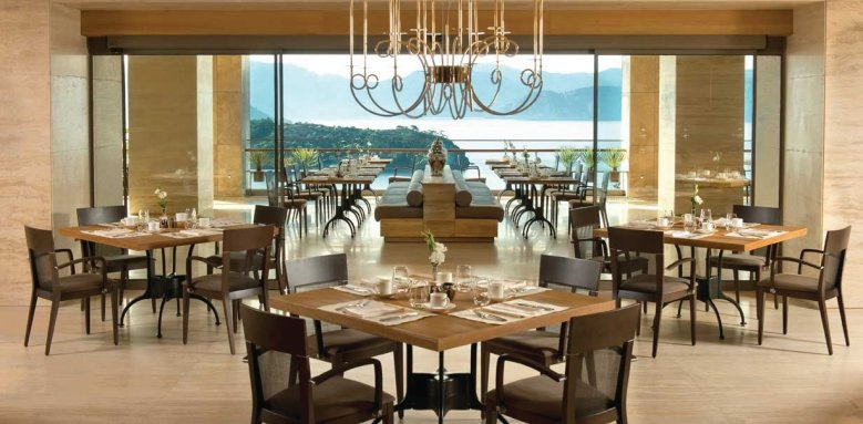 D-Hotel Maris, terrace restaurant