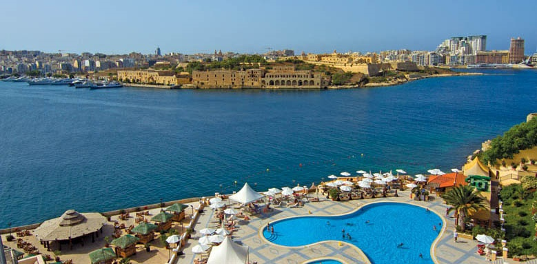 Grand Hotel Excelsior Malta, Pool and view