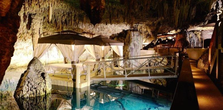 Grotto Bay Beach Resort, cave