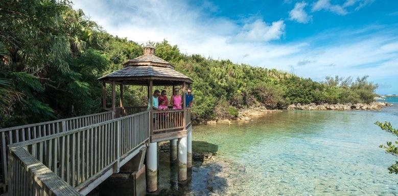 Grotto Bay Beach Resort, fish feeding