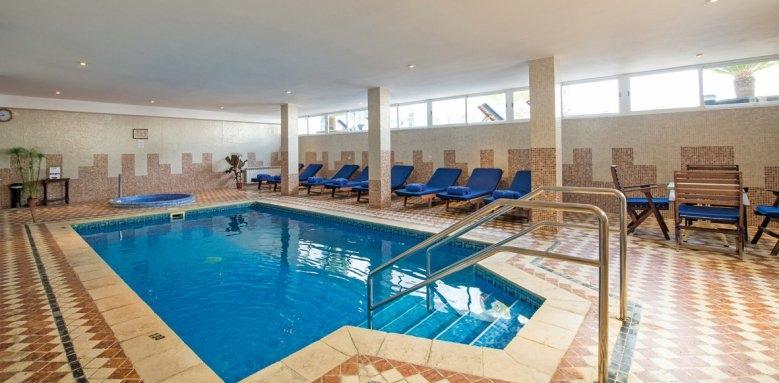 Illa D'or, indoor pool