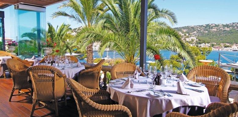Villa Italia, dining
