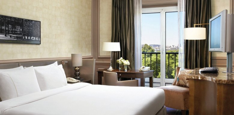 The Westin Paris - Vendome, room with Eiffel tower view