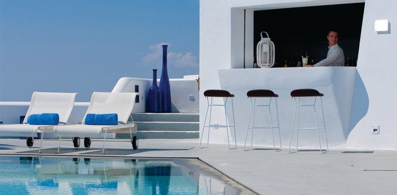 Grace Santorini, pool and main bar