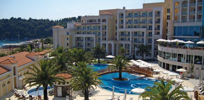 Hotel Splendid Spa Resort, exterior and pool