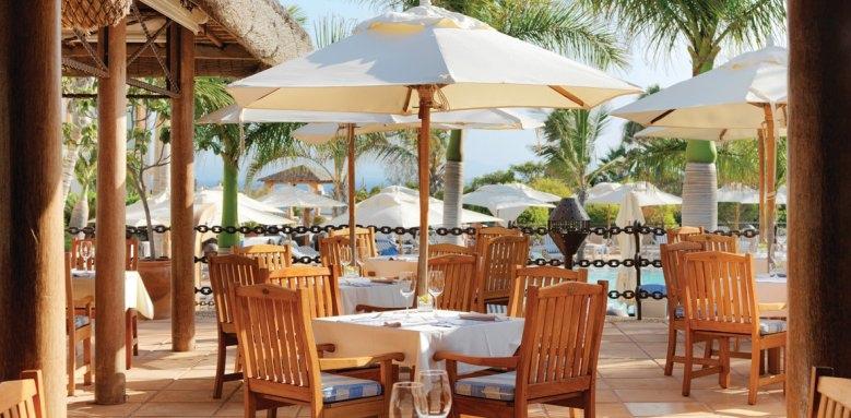 Princesa Yaiza Suite Hotel & Resort, pool bar