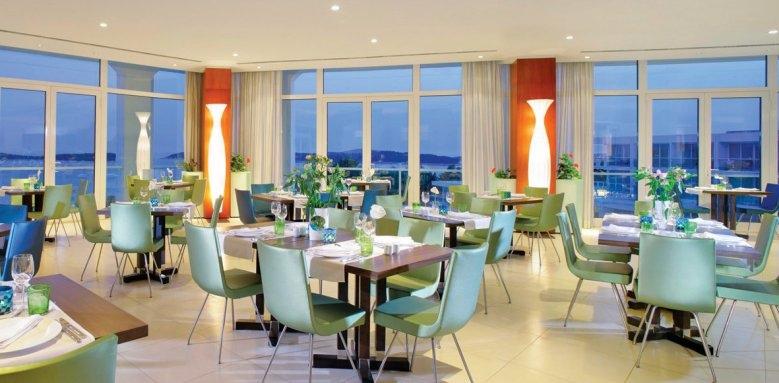 Amfora, Hvar Grand Beach Resort, Hvar restaurant