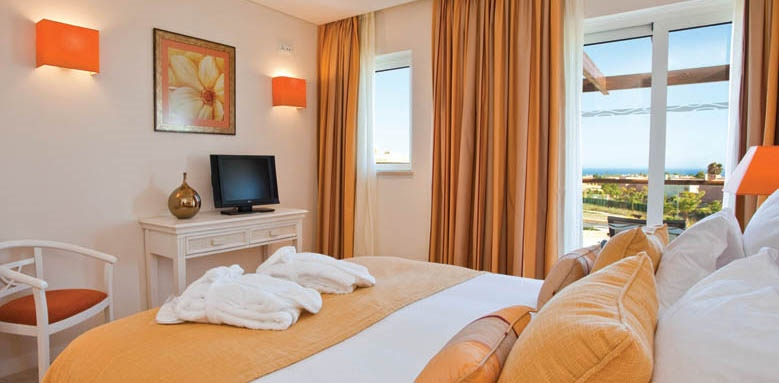 Monte Santo Resort, townhouse bedroom