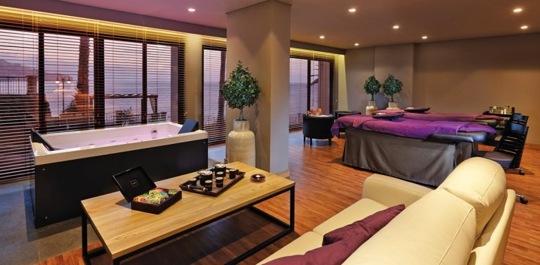 The Cliff Bay, spa suite
