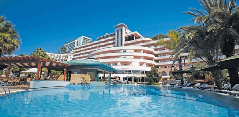 Royal Savoy Hotel, Pool