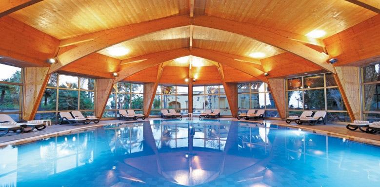 Royal Savoy Hotel, indoor pool