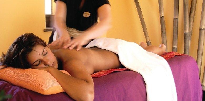 Royal Savoy Hotel, massage treatment