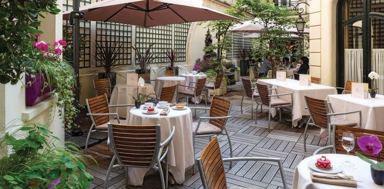 Hotel Regina, courtyard