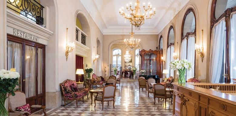 Hotel Regina, lobby