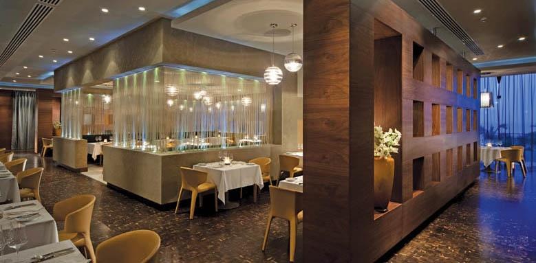 Amathus Beach Hotel Limassol, Cyan Restaurant