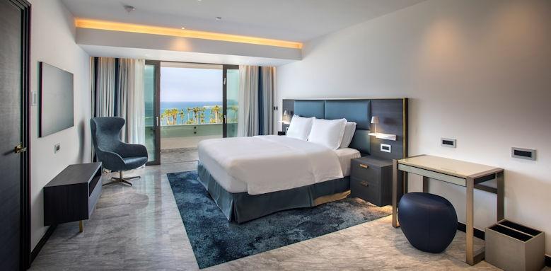 Parklane, Lifestyle suite with sea view