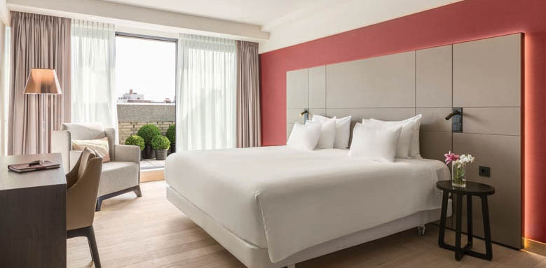 NH Collection Gran Hotel Krasnapolsky, Premium Room