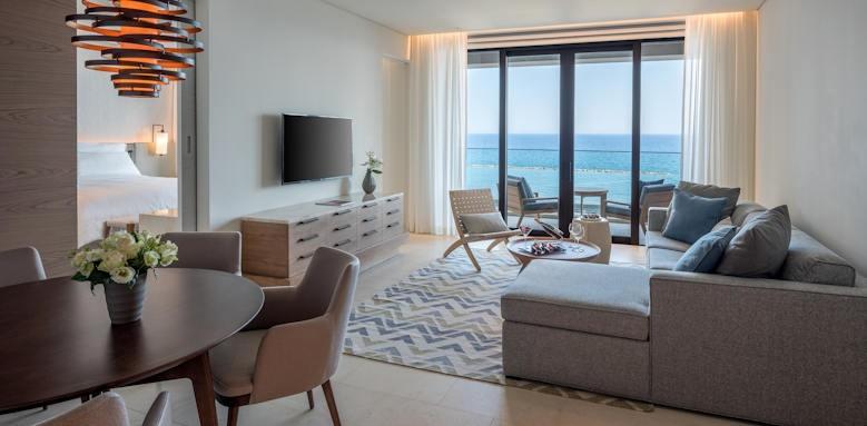 v one bedroom deluxe suite