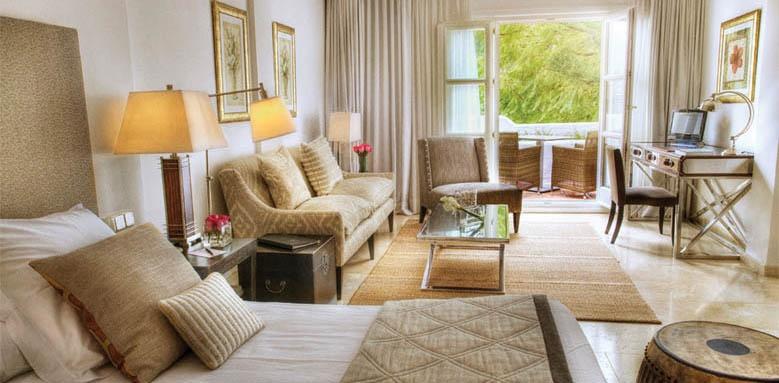 Puente Romano Beach Resort & Spa Marbella, deluxe junior suite