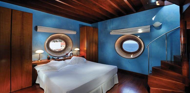 Hotel San Roque, Tower suite bedroom