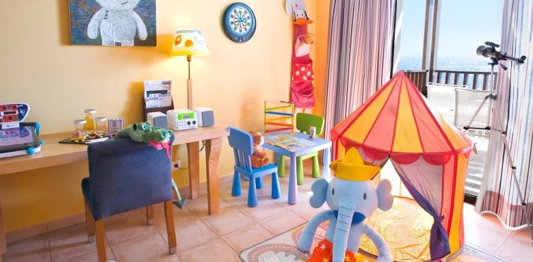 Hesperia Lanzarote, family room
